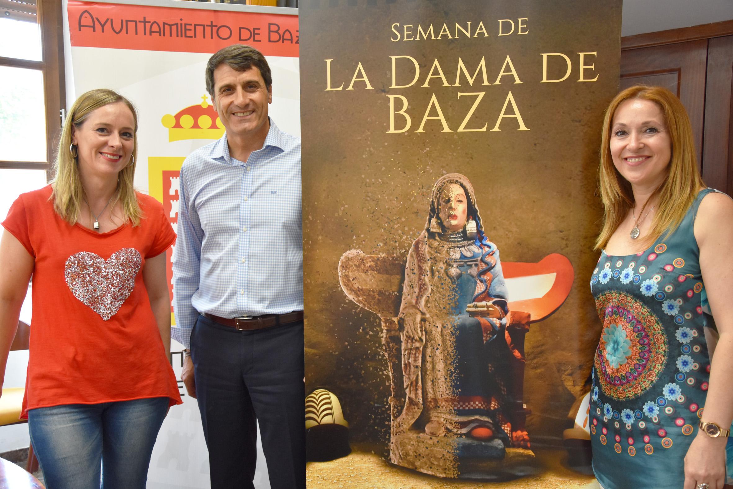 Las concejalas de Turismo y Cultura y el alcalde de Baza