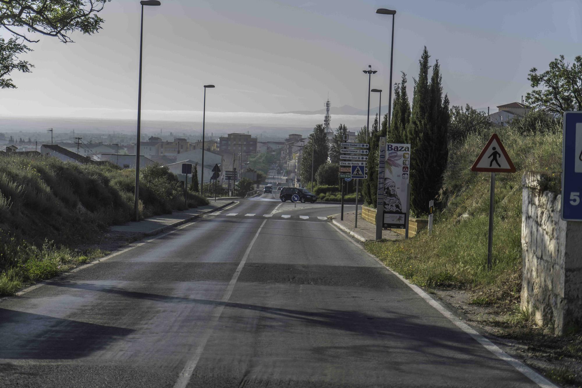 Acceso a Baza por la antigua carretera de Granada