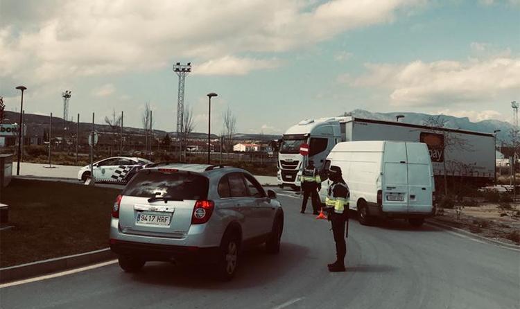 Control de seguridad en los accesos a Baza para disminuir los desplazamientos sin justificación