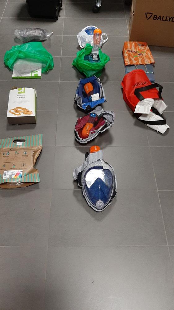 Máscaras de buceo donadas por particulares de Baza para uso hospitalario