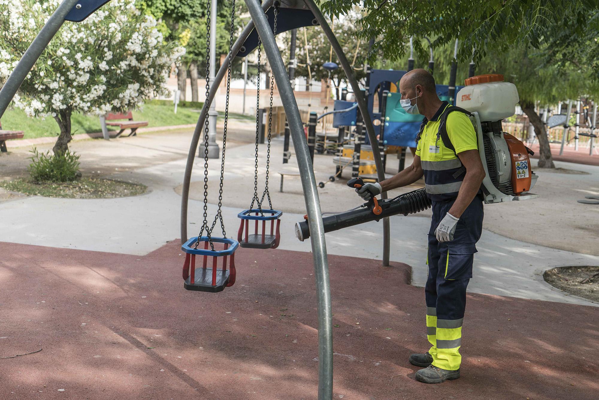 Limpieza del Parque de la Alameda. Foto: Carmelo Mateos