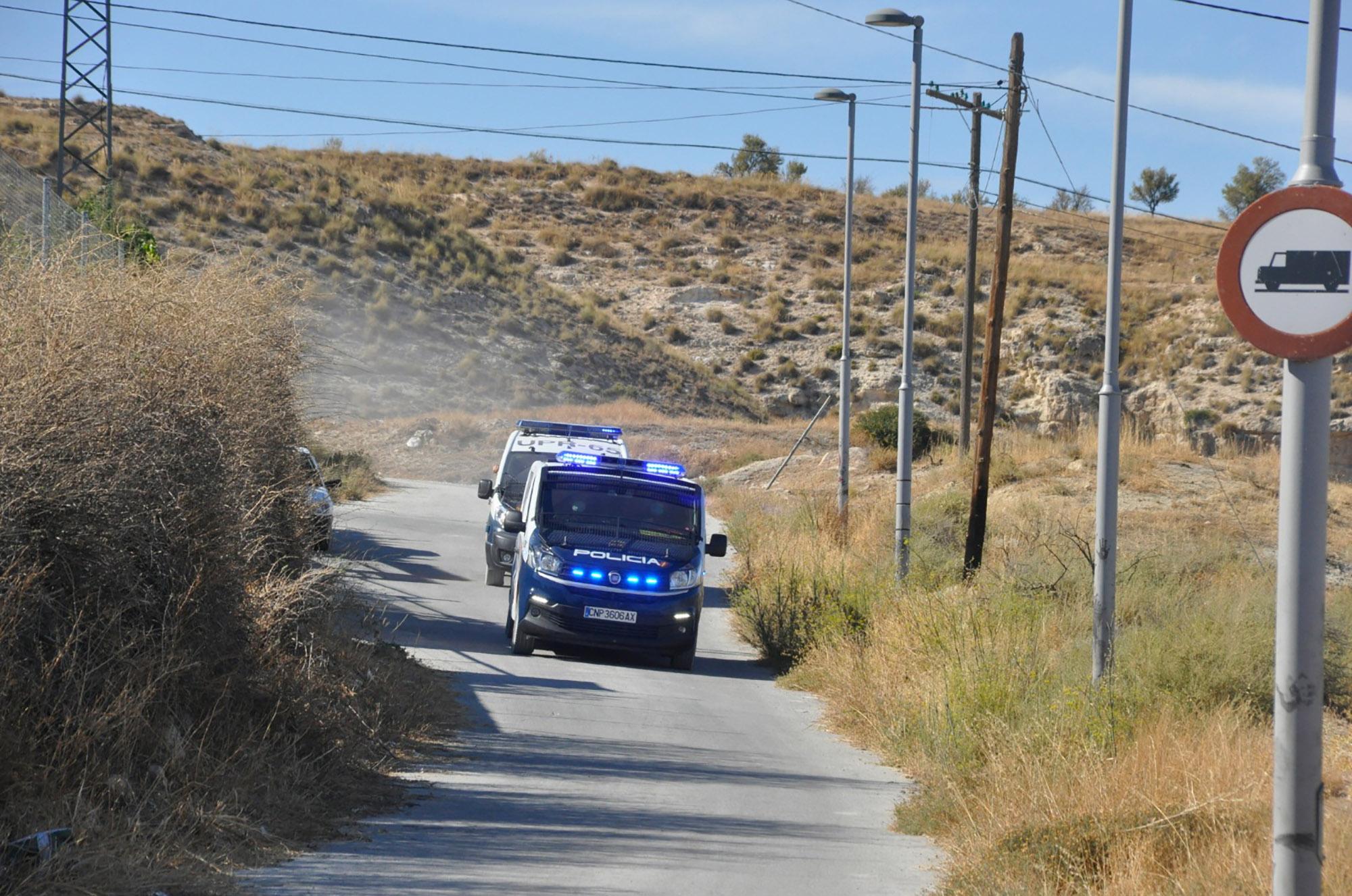 Policía Nacional en los accesos a Las Arrodeas
